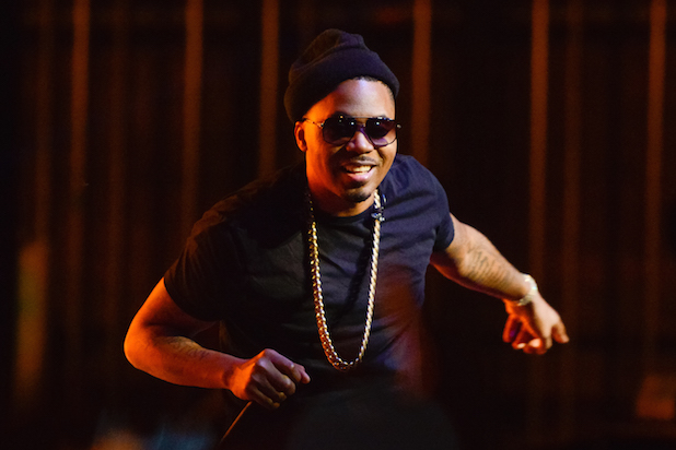 LOS ANGELES, CA - OCTOBER 18:  Nas performs at the Hennessy V.S presents